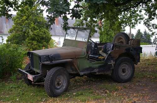 a vendre jeep willys hotchkiss mb 201 24v avec remorque. Black Bedroom Furniture Sets. Home Design Ideas