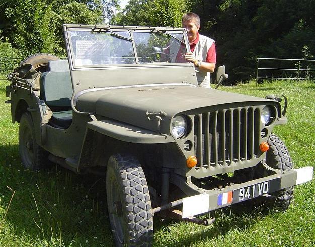 superbe jeep m201 hotchkiss 1962 enti rement restaur e. Black Bedroom Furniture Sets. Home Design Ideas