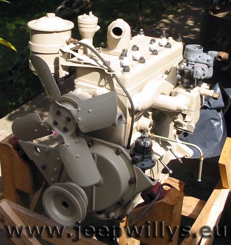 Bloc moteur en cours de remontage, vue 3